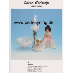 Perlemønster nr 988025 dukkekjole 9 cm Elises -brugt-