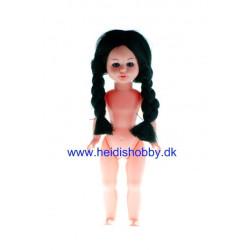 17 cm dukke med brune fletninger